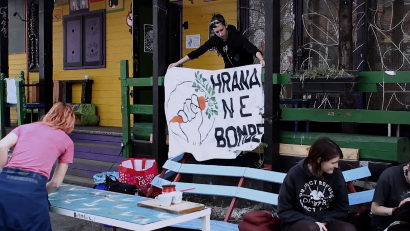 Scene from the activist documentary film Food Anarchy - Foot Not Bombs action